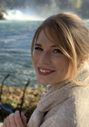 Portrait von Laura Sandholzer